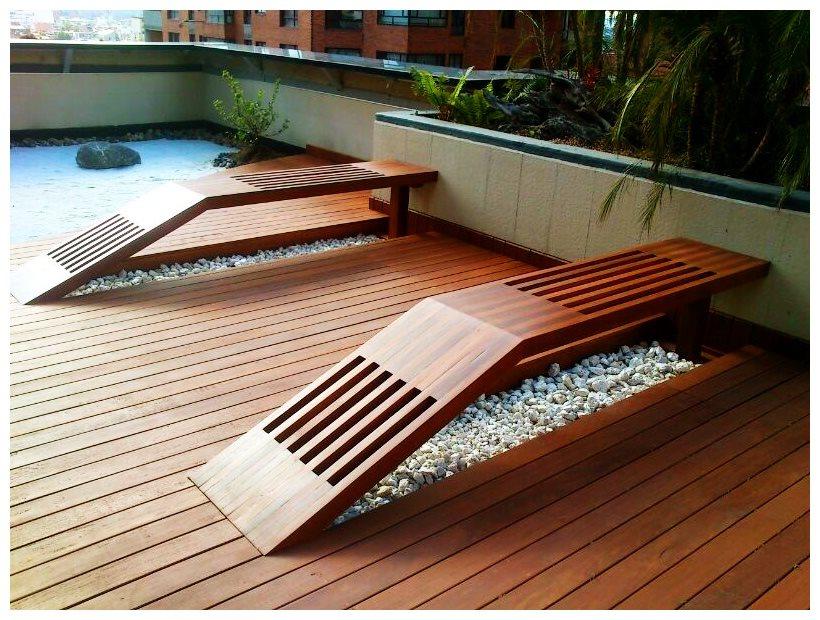mobiliario en madera para exteriores
