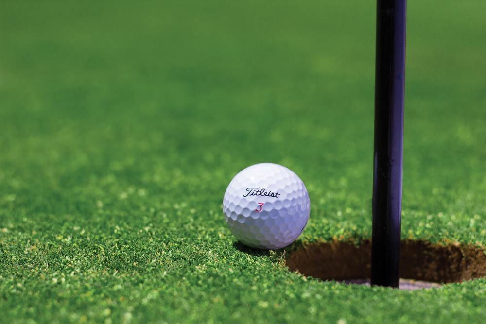 césped sintético para canchas de golf