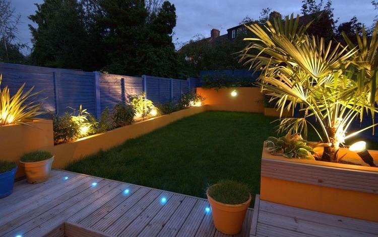 iluminaciones en jardines exteriores